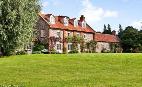 hoang tu harry 12 ngoisao.vn Chiêm ngắm cận cảnh căn hộ gần 111 tỷ đồng của Hoàng tử Harry