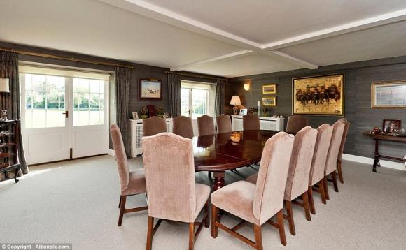 hoang tu harry 15 ngoisao.vn Chiêm ngắm cận cảnh căn hộ gần 111 tỷ đồng của Hoàng tử Harry