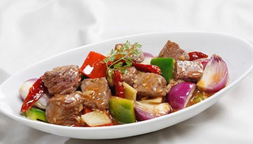 món ăn,  món ăn nấu với nghệ, món ăn tốt cho sức khỏe, canh cá nấu nghệ, thịt gà kho nghệ, bò xào rau củ và nghệ, cách nấu ăn