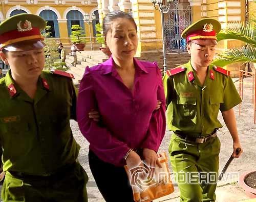 Mỹ nhân Việt trước vành móng ngựa 0