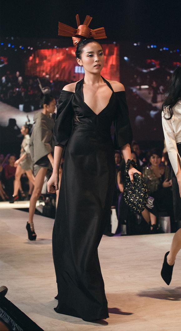 Hoa hậu Kỳ Duyên bất ngờ xuất hiện 3