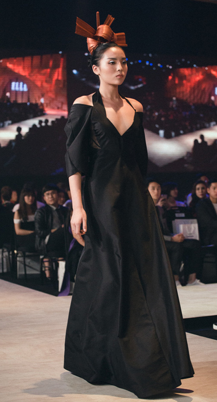 Hoa hậu Kỳ Duyên bất ngờ xuất hiện 2