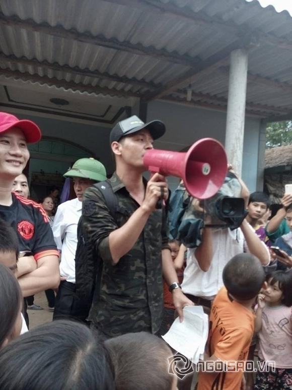 Mc phan anh,phan anh làm từ thiện,mc phan anh ủng hộ miền trung,sao Việt