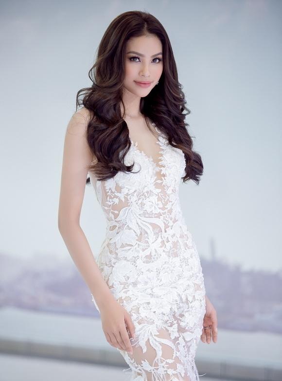 Hoa hậu, Phạm Hương, Đặng Thu Thảo, Nam Em, sao Việt