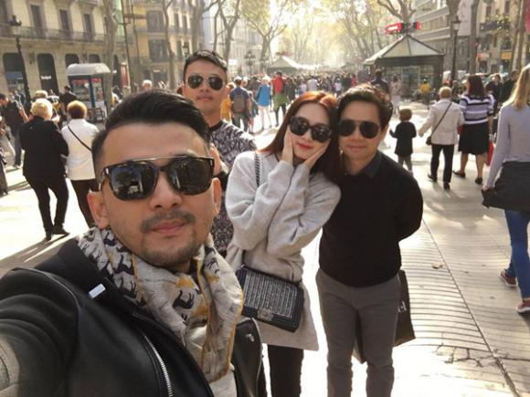 Hoa hậu Thu Thảo đi du lịch Tây Ban Nha