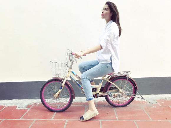 Hoa hậu Phạm Hương sống ảo 1