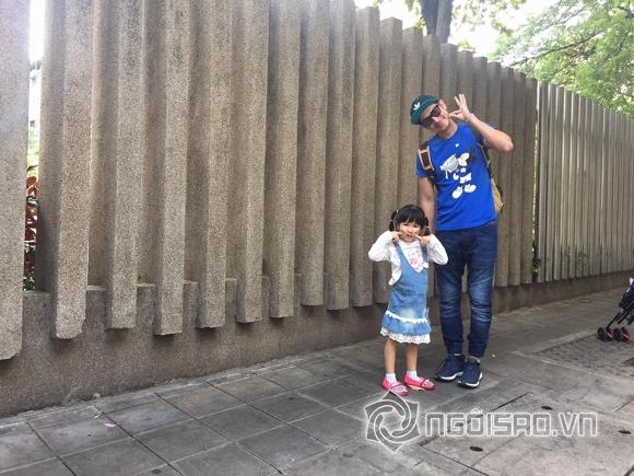 huy-khanh-va-vo-cu-21-ngoisao.vn-w960-h720.stamp2