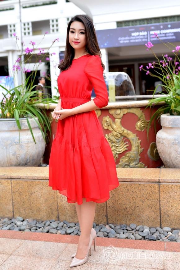Hoa hậu Mỹ Linh váy đỏ nổi bật 4