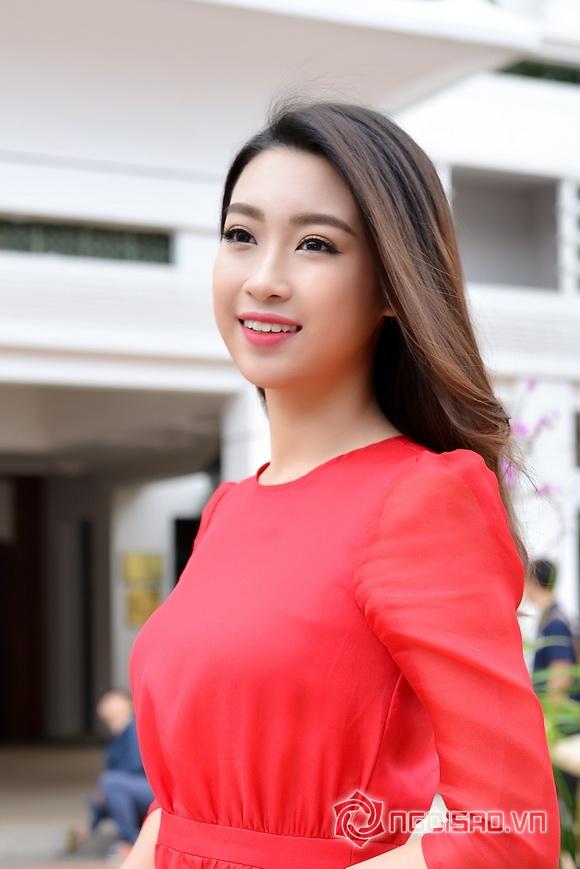 Hoa hậu Mỹ Linh váy đỏ nổi bật 0
