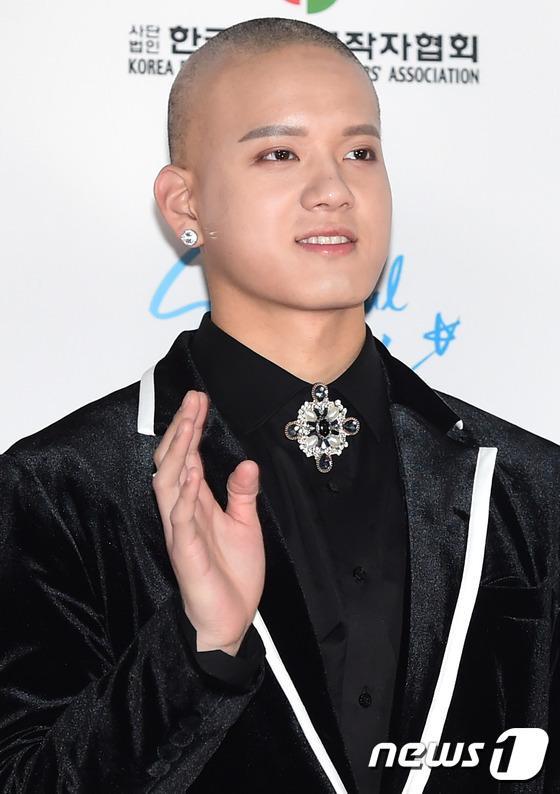 Dàn idol hot nhất Kpop khoe sắc trên thảm đỏ Dream Concert 2016 5