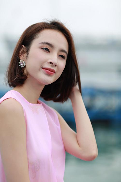 Angela Phương Trinh: Không có duyên yêu trai trẻ, khi gặp người nàođó, nếu thích thì yêu thôi!