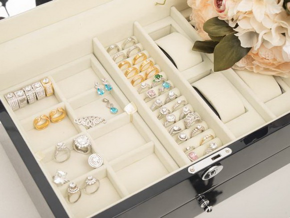 daly-jewellers-512-10-ngoisao.vn-w580-h435 0