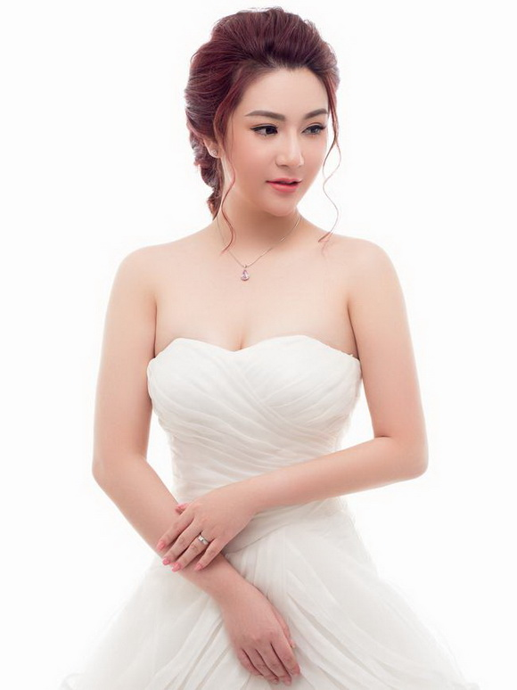 daly-jewellers-512-2-ngoisao.vn-w580-h774 8