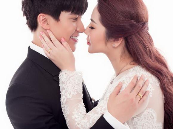 """""""Uyên ương kim cương"""" lãng mạn chào tháng 12 cùng DaLy Jewellers"""