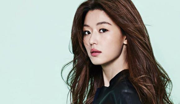 Jun Ji Hyun giành ngôi Nữ hoàng quảng cáo xứ Hàn 2016 với mức cát