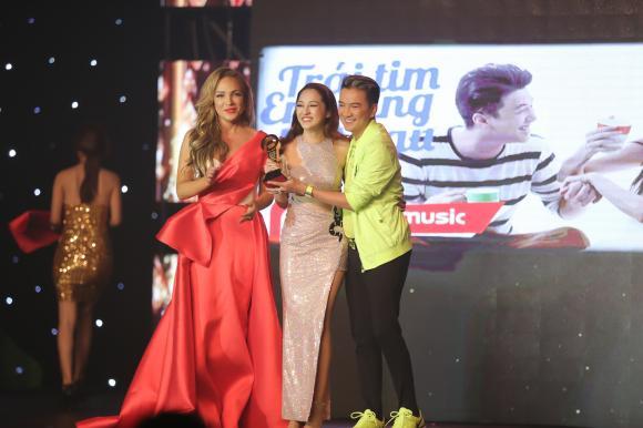 Bảo Anh chiến thắng ngoạn mục với giải thưởng 'MV của năm'