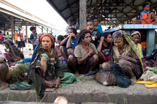 bộ tộc cụt tay,  Dani ở Indonesia, chuyện lạ