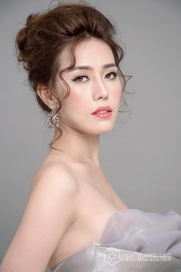 Á khôi Jessi Phan đẹp như công chúa tuyết mừng đón Giáng sinh