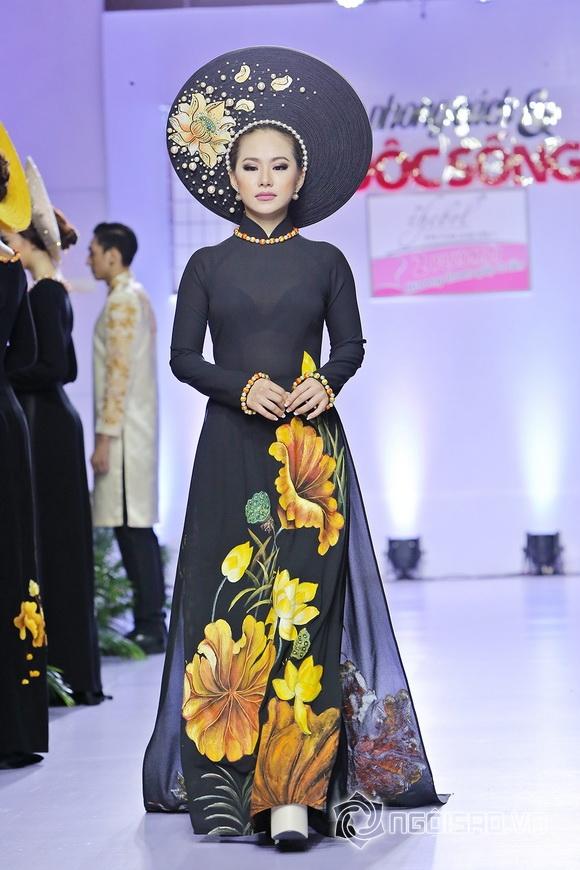 NTK Minh Châu mời Việt Trinh và Lương Bích Hữu làm vedette cho BST 'Sống'