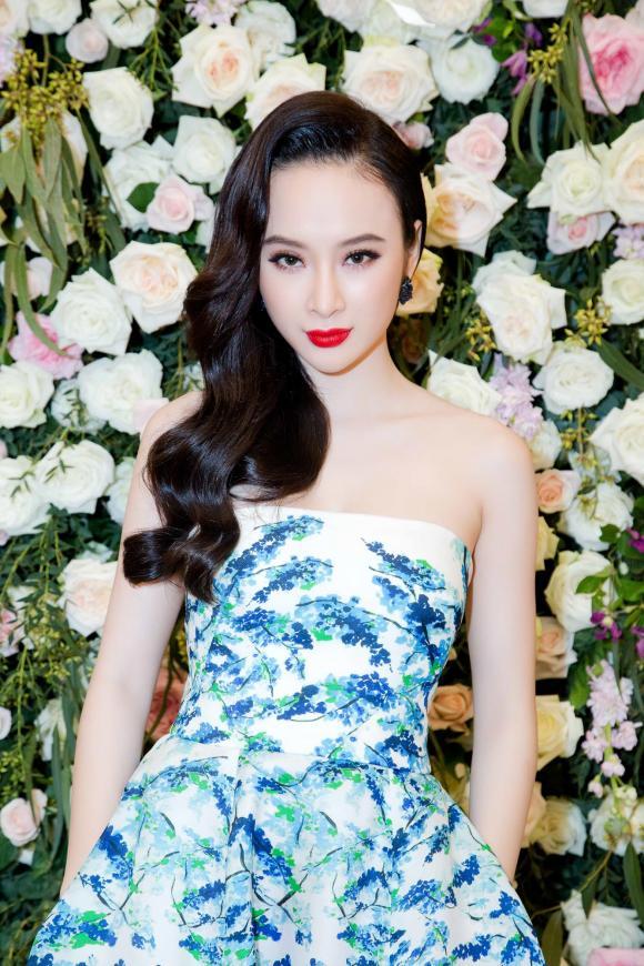 Angela Phương Trinh khoe vai trần quyến rũ bên em chồng Hà Tăng