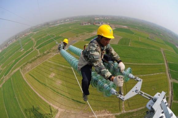 http://media.tinnong365.online/resize_580/news/2016/12/23/lao-dong-pho-thong-3-tinnong365.online-w650-h433.jpg