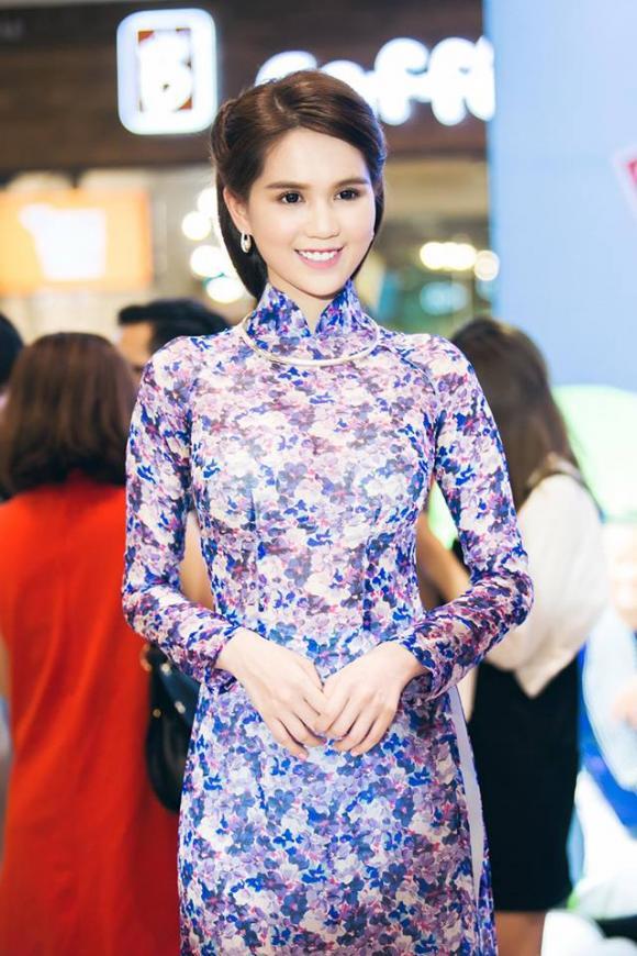 mau-ao-dai-tet-23-ngoisao.vn-w640-h960.jpg 2