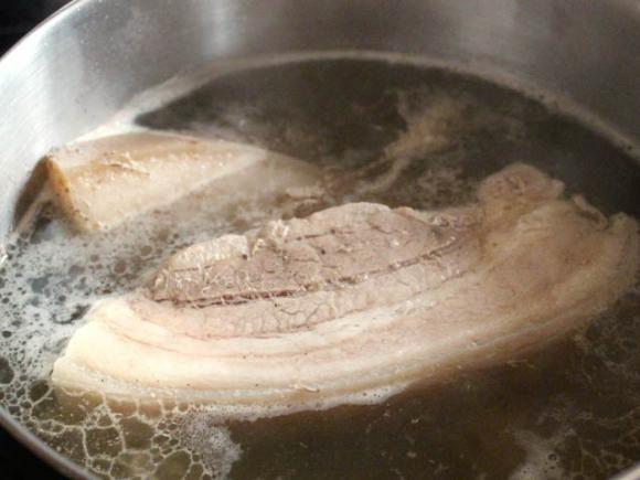 Cách làm món thịt ba chỉ kho mía 4