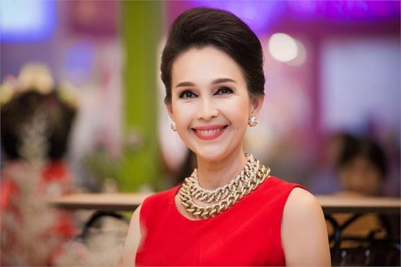 Đây chính là mỹ nhân Việt sở hữu bộ sưu tập dây Channel 'khủng' nhất