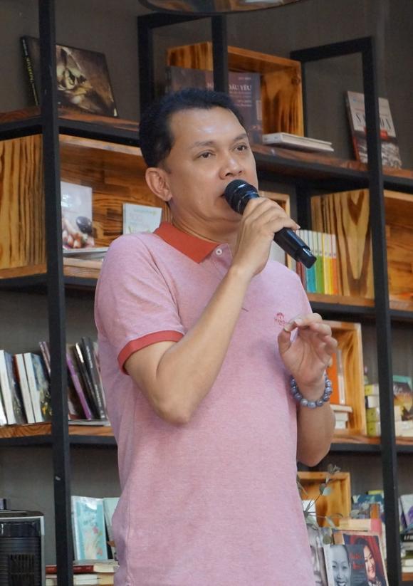 NSƯT Hữu Châu, nghệ sĩ Hữu Châu, Hữu Châu, Hoài Linh, sao Việt