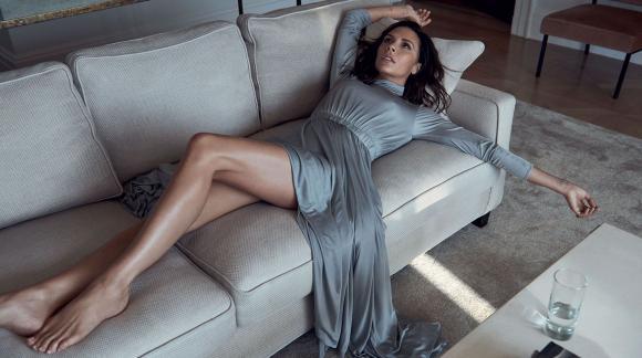 Victoria Beckham mặc cảm vì vòng một nhỏ nhưng hối tiếc vì đã nâng ngực
