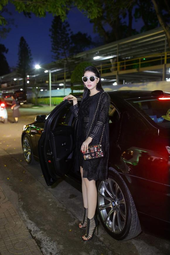 Diện 'cây đen' cực chất Hoa hậu điện ảnh Thanh Mai sanh chảnh dự sự kiện