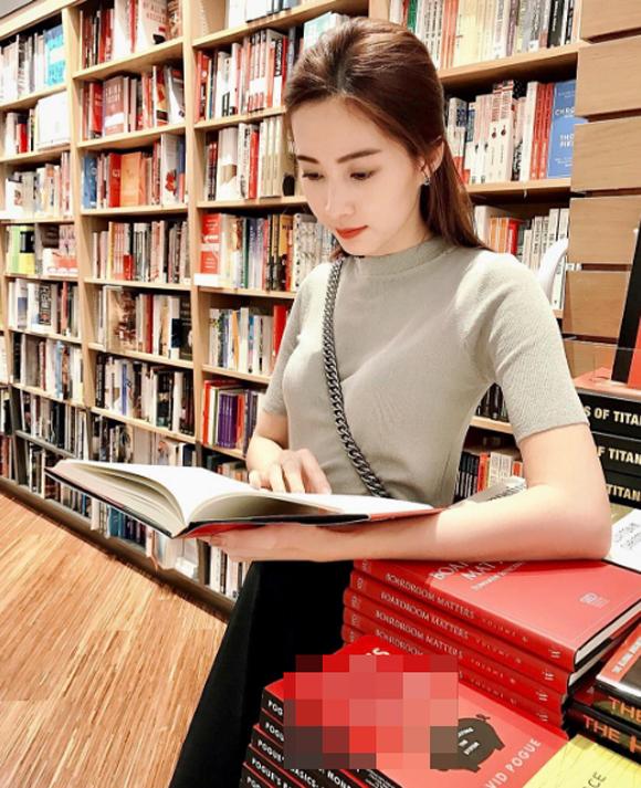 Thu Thảo, Phạm Hương, phong cách thời trang của Thu Thảo