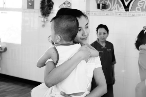 Á hậu Hoàng Oanh, Hoàng Oanh, sao Việt