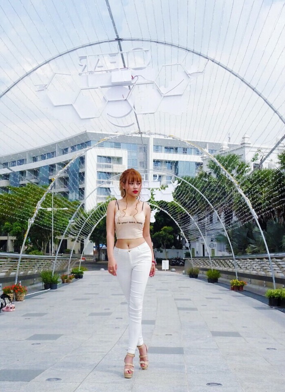 Hotgirl Suzie, Mẫn Nhi Nguyễn, kem V10 Skinaz