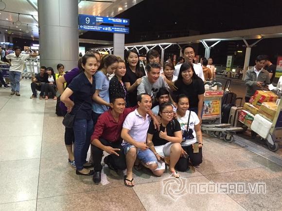Mr đàm,ông hoàng nhạc việt,rừng fans tiễn mr đàm ra sân bay