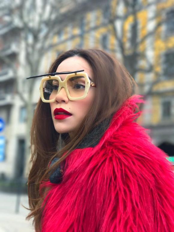 thời trang sao,sao Việt,Hà Hồ,BST áo khoác lông của Hà Hồ