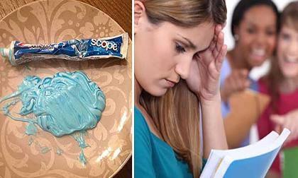 sai lầm khi đánh răng, làm ướt bàn chải trước khi đánh răng, bàn chải đánh răng