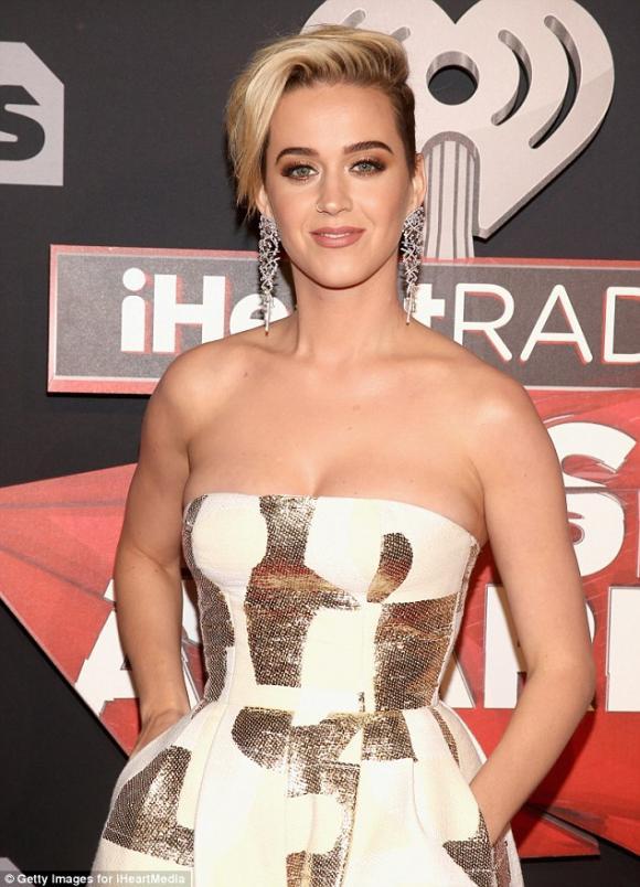Katy Perry,nữ ca sĩ Katy Perry,Katy Perry trong bộ ảnh mới, sao Hollywood