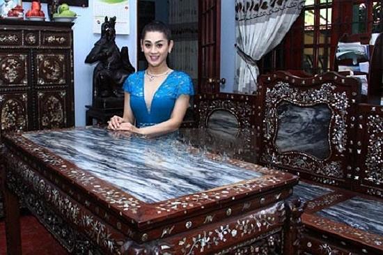 Lâm Chi Khanh, ca sĩ Lâm Chi Khanh, ca sĩ chuyển giới Lâm Chi Khanh, sao Việt