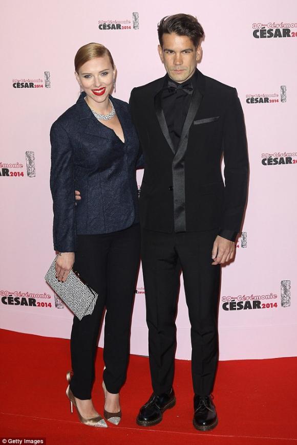 Scarlett Johansson, Scarlett Johansson ly hôn chồng người Pháp,  Romain Dauriac, nữ diễn viên  Romain Dauriac,sao Hollywood