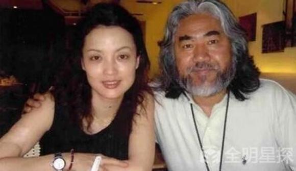ông trùm phim võ hiệp Kim Dung, Trương Kỷ Trung, Trương Kỷ Trung qua đêm với gái trẻ