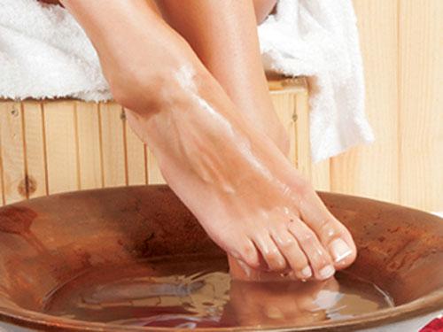 hôi chân, mùi hôi chân, nước ngâm chân, trị hôi chân, thổi bay mùi hôi chân, mùi hôi
