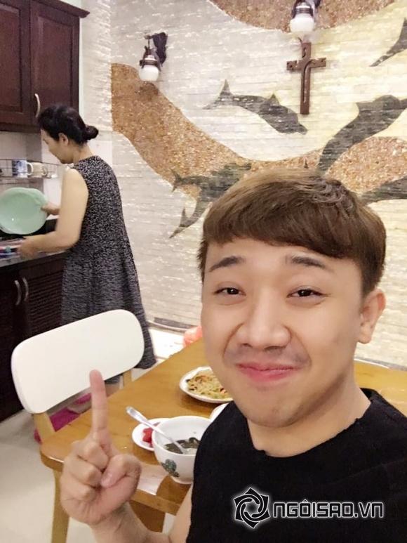 Trấn Thành, mẹ vợ Trấn Thành, MC Trấn Thành, Trấn Thành và Hari Won