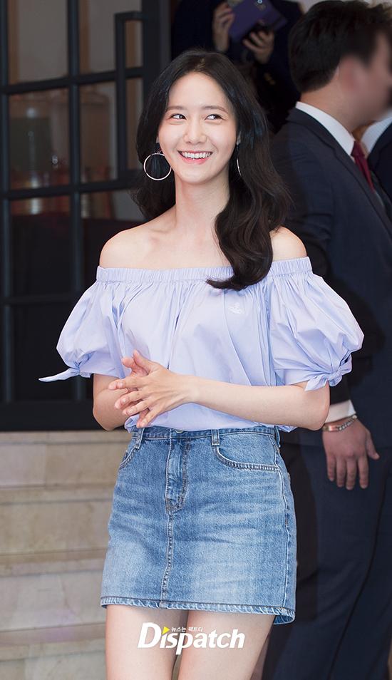 Yoona SNSD,đôi chân xấu xí của Yoona,yoona xinh tươi,Yoona tươi tắn, sao Hàn, sao kpop,thời trang sao