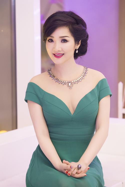 Hoa hậu giáng my,hoa hậu đền hùng giáng my,giáng my giàu cỡ nào,sao Việt