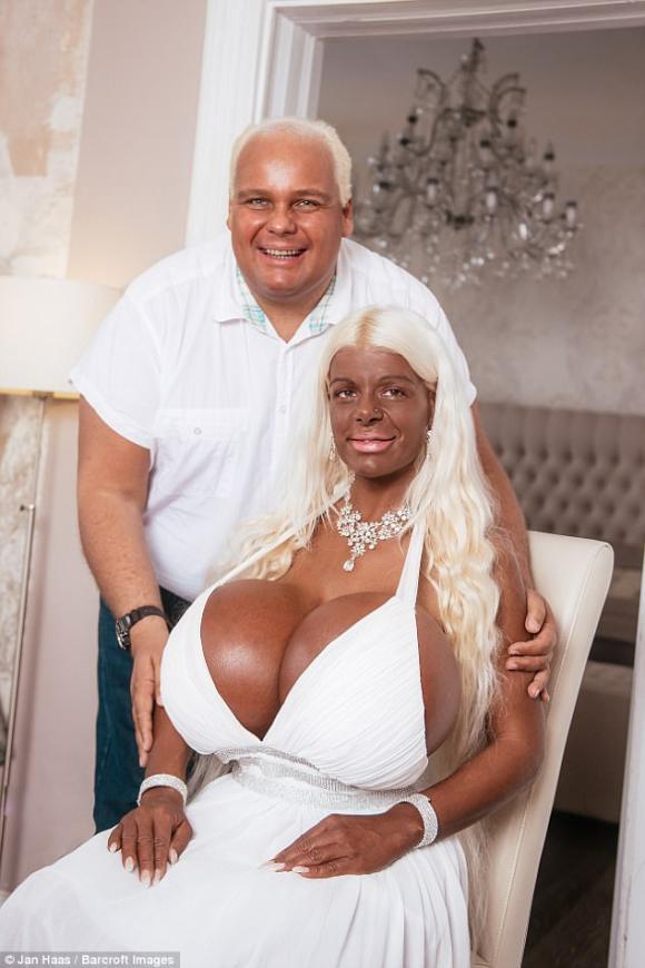 đời sống trẻ,thảm họa búp bê Barbie,Martina Big,búp bê Barbie ngực khủng