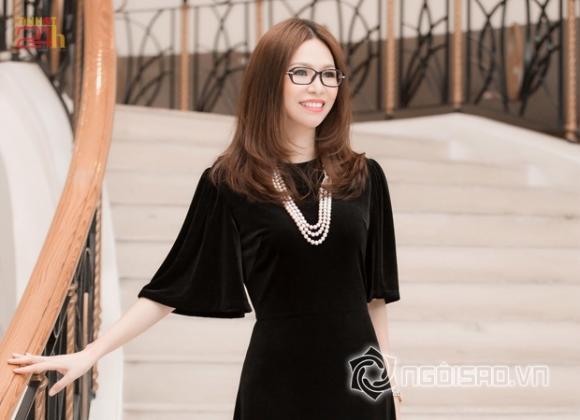 Hoa hậu Bùi Thị Hà trẻ trung như hot girl khi dự sự kiện