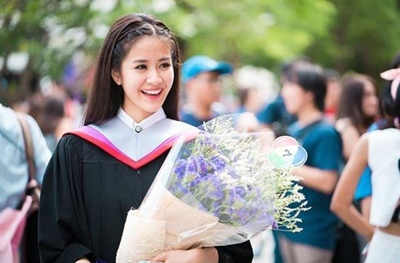 lễ tốt nghiệp, ngày ra trường, kiểu tóc đẹp, tóc đẹp ngày lễ tốt nghiệp, kiểu tóc trong dịp lễ tốt nghiệp