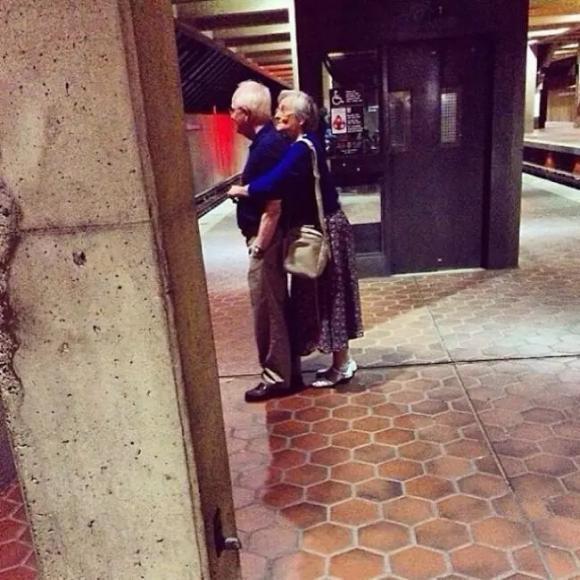 ảnh cười, tình già, tình yêu vĩnh cửu, ảnh người già
