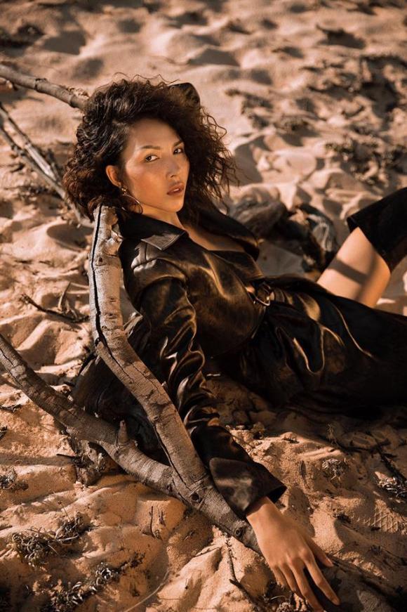 sao việt, minh triệu, siêu mẫu minh triệu, minh triệu chụp ảnh trên đồi cát
